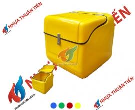 Thùng chở hàng màu vàng